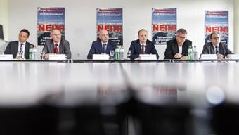 Gemeinsam gegen das Energiegesetz: SVP-Präsident Christian Imark, FDP-Präsident Stefan Nünlist, Markus Spielmann (Hauseigentümerverband), Daniel Probst (Handelskammer), Andreas Gasche (Gewerbeverband) und Kuno Tschumi (Einwohnergemeinden).
