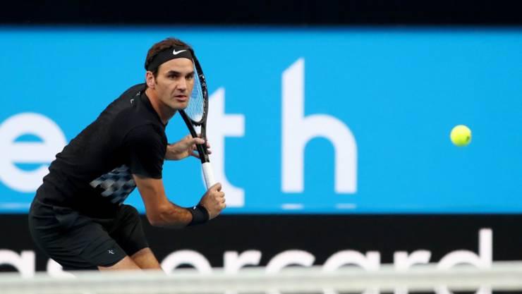 Roger Federer setzt sich in Perth in zwei Sätzen durch