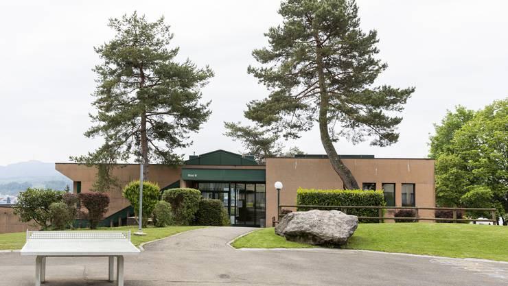 Blick auf das Schulhaus Büel B: Am 27. September entscheiden die Stimmberechtigten, wer die Schulpflege wieder komplettiert.