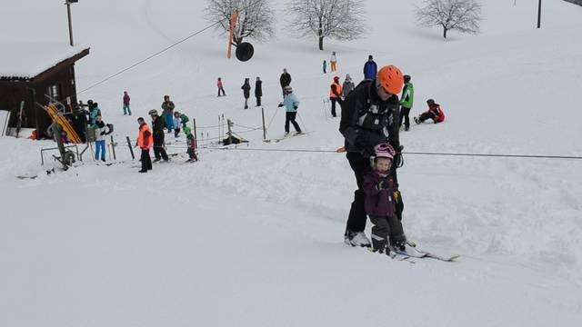 «Piste gut»: Schneevergnügen in Bottenwil am 3. Februar.