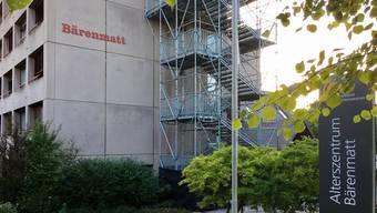 Der nachträglich angebaute Fluchttreppenturm am erneuerungsbedürftigen Alterszentrum Bärenmatt in Bremgarten.
