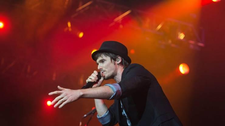 Bringt beides unter seinen Hut, Musik und Familie: Lovebugs-Frontmann Adrian Sieber (Archivbild)