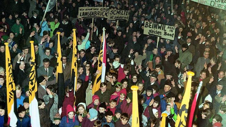 Gewichtiges Kapitel der Chronik: Grosskundgebung am 9. Januar 1969 gegen die Pläne für einen Armeeschiessplatz im Guldental. (Bild: ZVG)