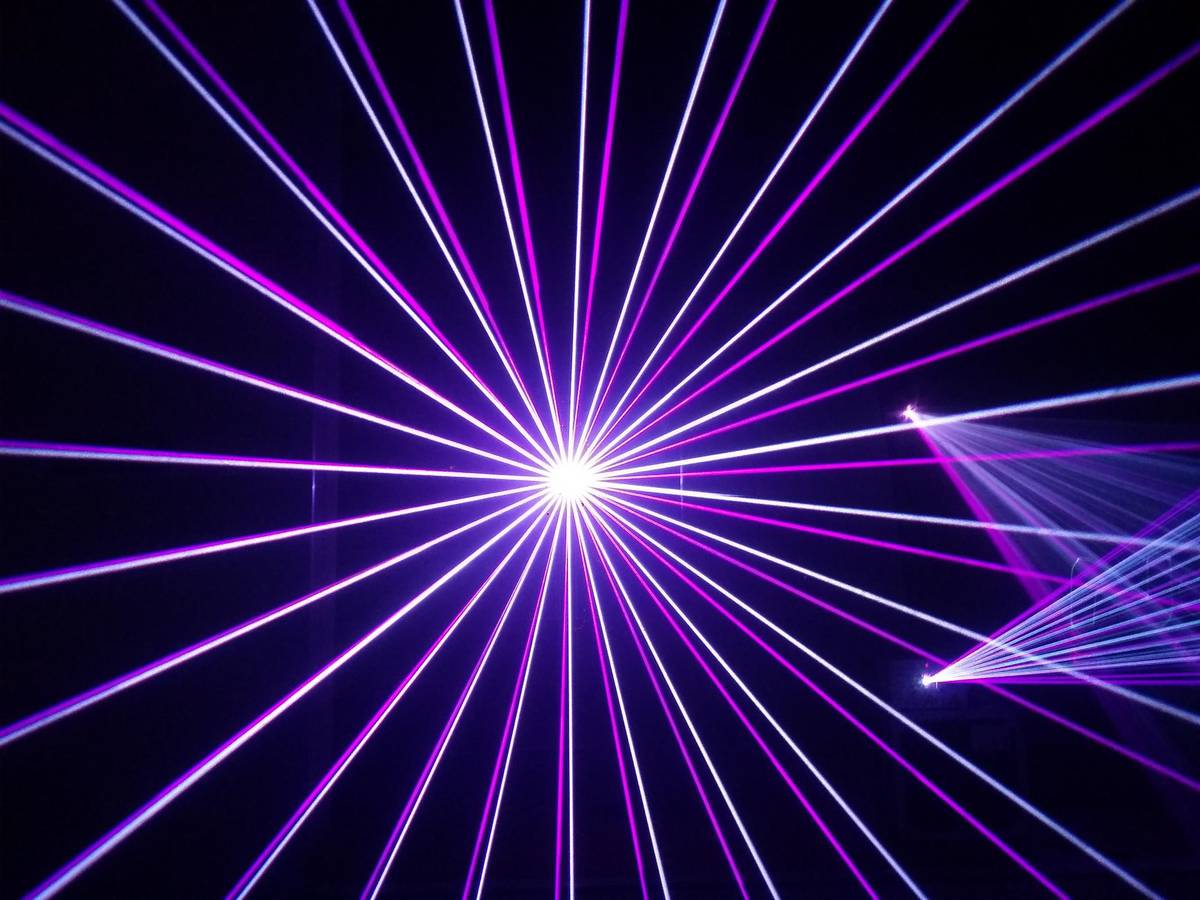 Eindrücke einer Lasershow (© Nova Events)