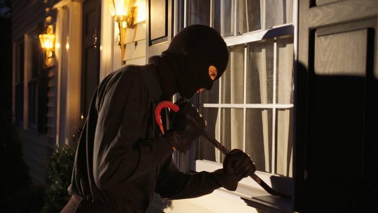 Vor allem jetzt sind Einbrecher wieder aktiv. (Symbolbild)