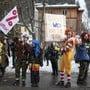 Die von der Juso Schweiz organisierte Demonstration im Dorf Davos musste ohne die rund 400 Protestwanderer auskommen.