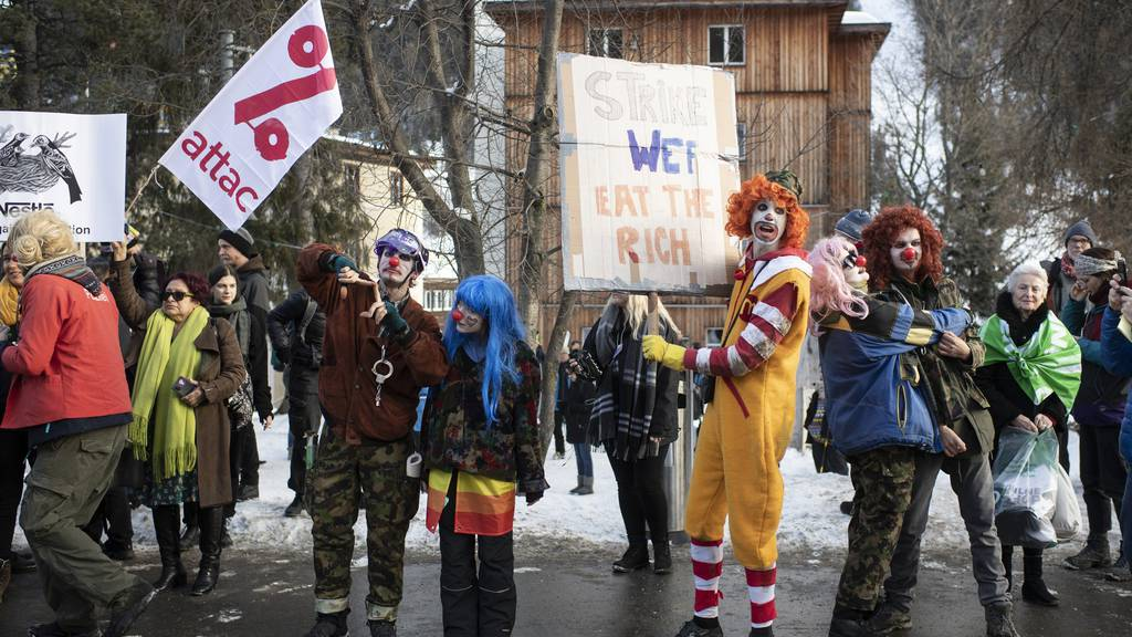 Klima-Wanderer kamen zu spät an die Demo in Davos