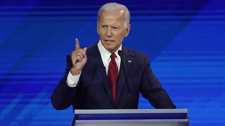 Bekam bei einer TV-Debatte erneut Kritik von seinen innerparteilichen Konkurrenten ab: der frühere US-Vizepräsident und Präsidentschaftsbewerber Joe Biden.