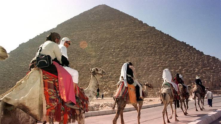 Die Cheopspyramide ausserhalb von Kairo.