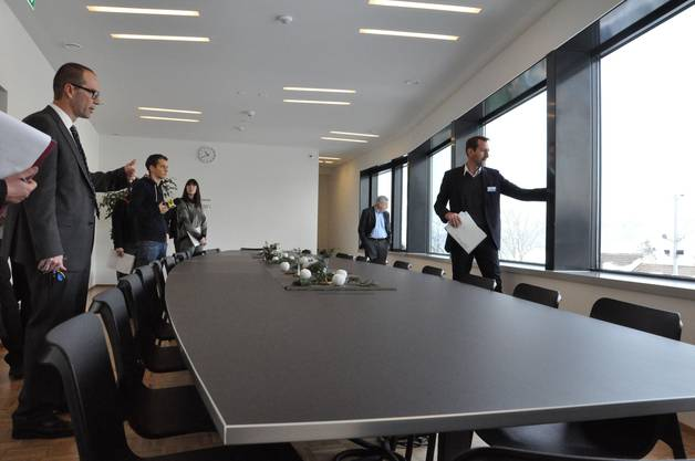 Über dem Eingangsbereich ist ein grosses Sitzungszimmer entstanden