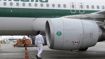 Alitalia baut hunderte Arbeitsplätze ab (Archiv)
