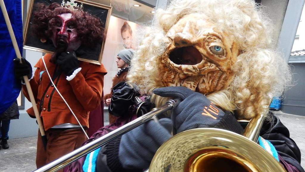 Radio Pilatus ruft für den SchmuDo zum Homeoffice-Konzert auf
