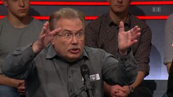 Fred Karli, Rentner und Buchhalter der Autopartei, enerviert sich in der Sendung «Arena».