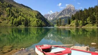 Seit dem Morgen bereits abgesperrt: Der Obersee bei Näfels – ein beliebtes und idyllisch gelegenes Ausflugsziel im Glarnerland