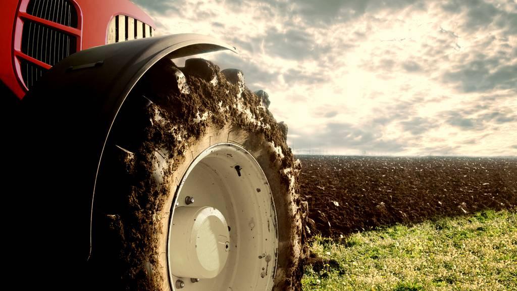 Traktor fährt 10-Jährigen an – schwer verletzt