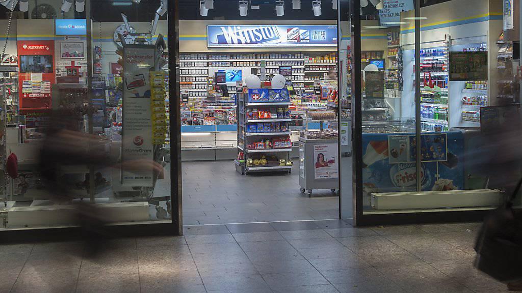 Der Kiosk- und Brezelstandbetreiber Valora hat im vergangenen Jahr die Rückkehr in die Gewinnzone geschafft. (Archiv)