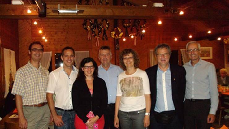 Gäste am CVP-Sommerfest: (von links) Alexander Vaida, Ralf Bucher, Susan Diethelm, Ruedi Donat, Sabine Sutter, Andre Rotzetter, Martin Steinacher.