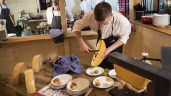 Für ein bisschen Heimatgefühl in Schweden sorgen Raclette und Fondue im «House of Switzerland».