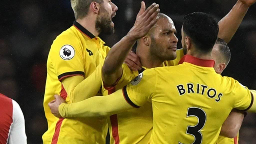 Valon Behrami (links) freut sich mit seinen Teamkollegen von Watford