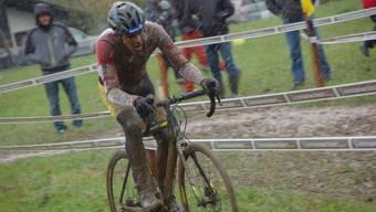 Nicht alle Fahrerinnen und Fahrer fandean an den schwierigen Verhältnissen in Steinmaur so gefallen wie Fabian Weiss (Sulz), der als drittbester Junior ins Ziel kam. «Ich liebe Regen und schlechtes Wetter», erklärte der Nachwuchsmann.