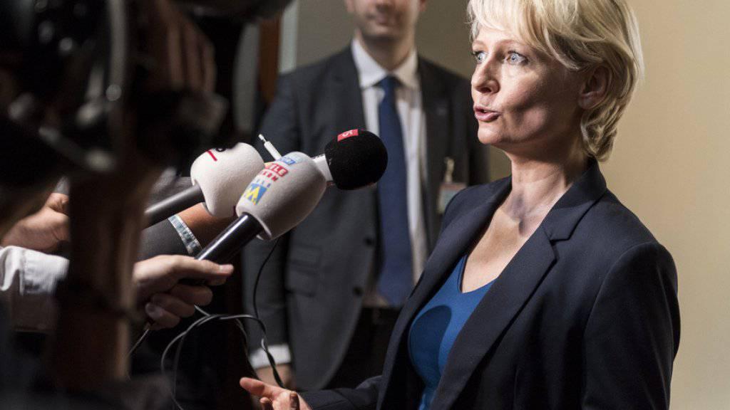 Bundesratskandidatin Isabelle Moret konnte mit ihrem Hearing die Mehrheit der Grünen für sich gewinnen. Der grosse Favorit bleibt aber der Tessiner Ignazio Cassis. (Archivbild)