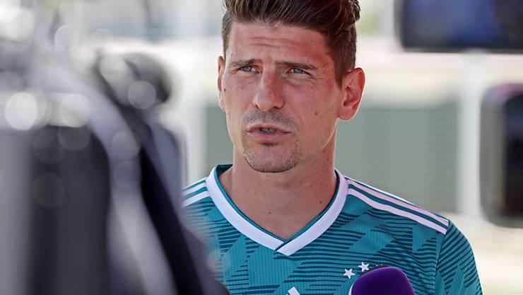 Mario Gomez will den Jungen im Nationalteam nicht im Weg stehen