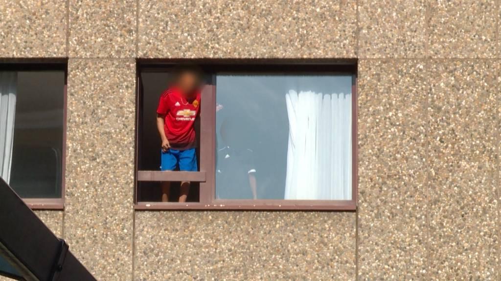 Fenstersturz im Kreis 4: SP fordert Schliessung der Notunterkunft Urdorf