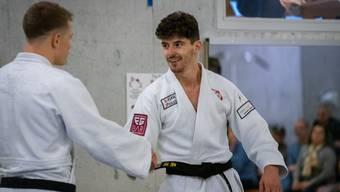 Simon Gautschi -81 Kg (links) und Eduard Nicolaescu -73 Kg (rechts) steuern wichtige Siege für die Brugger Mannschaft bei.