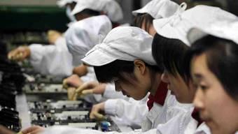 Foxconn-Arbeiter in einer Fabrik in Shenzhen.