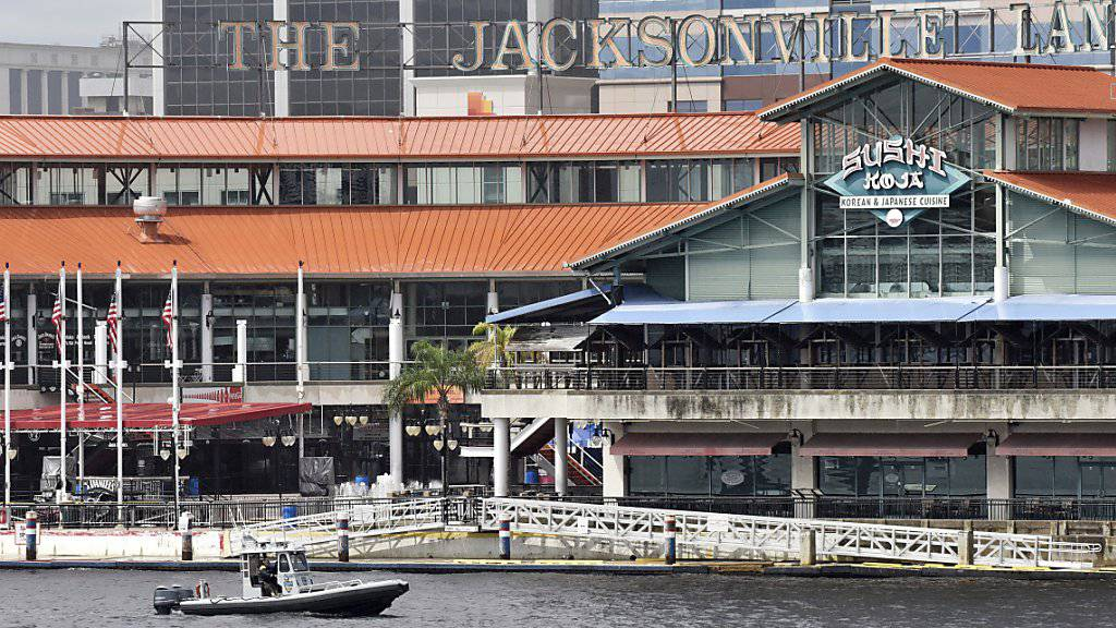 In diesem Einkaufszentrum am Fluss St. Johns in Jacksonville kam es zur tödlichen Schiesserei.