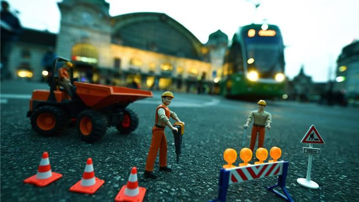 Am Basler Centralbahnplatz soll doch schon Ende März gebaut werden.