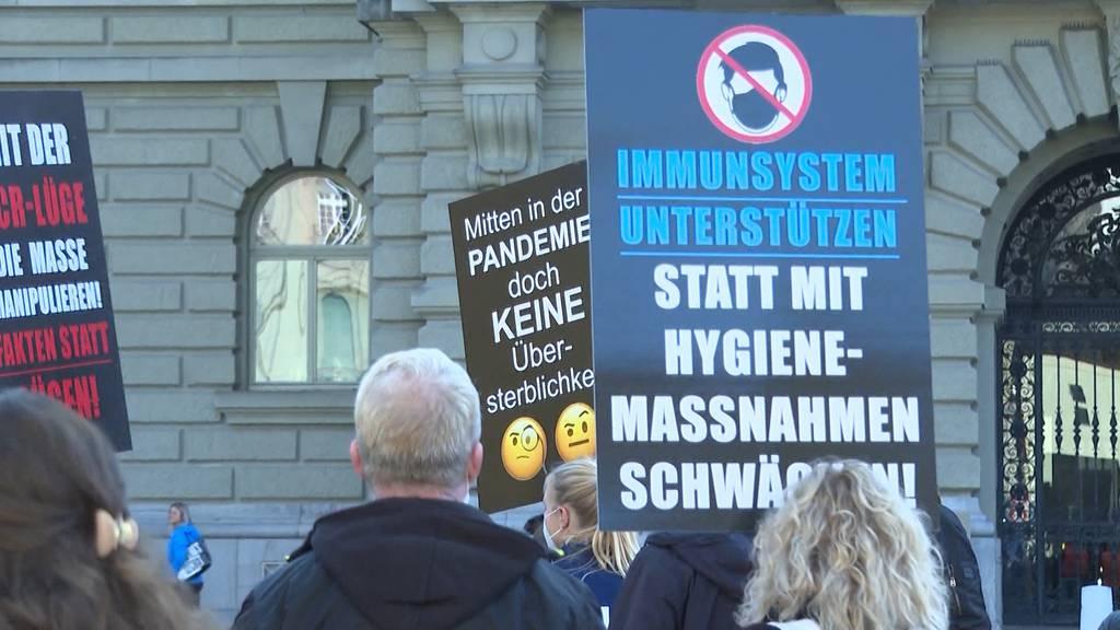 Coronaskeptiker sorgten für Chaos auf dem Berner Bundesplatz