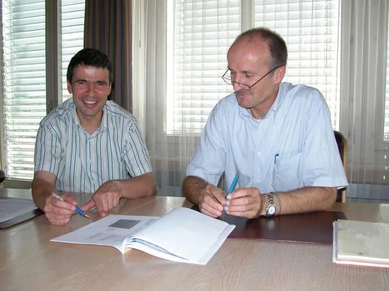 23. Juli 2007, Wohlen: Matthias Jauslin und Finanzverwalter Gregor Kaufmann präsentieren das Budget.