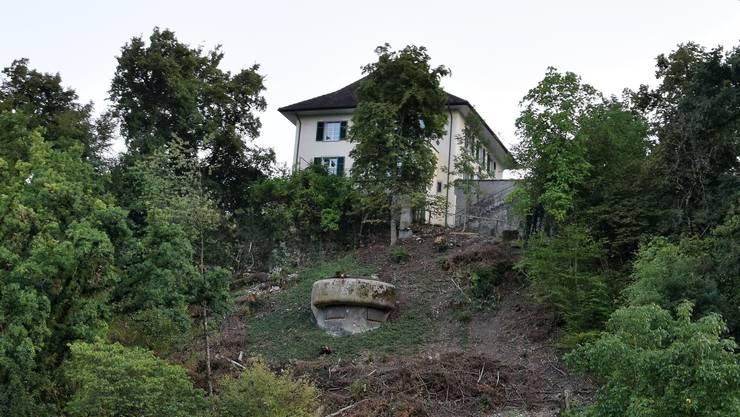 Der Beobachtungsbunker befindet sich unterhalb des Pfarrhauses Rein.