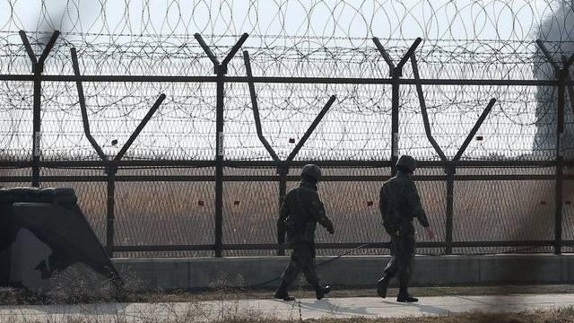 Südkoreanische Soldaten patroullieren an der Grenze zu Nordkorea (Archiv)