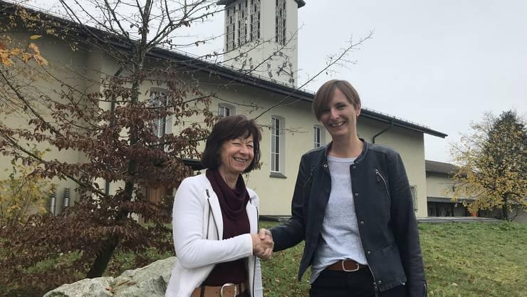Wechsel bei den Reformierten, links Heidi Schmid, die abtretende und rechts Iris Steiger, die neue Präsidentin.