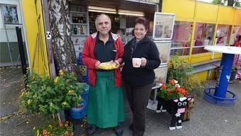Pius Baumeler und Bea Herzig, die beiden guten Seelen des kultigen «Bea's Imbiss» an der Hofackerstrasse in Muttenz.