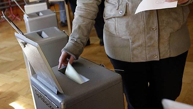 Volk soll über überrissene Mangerboni abstimmen (Symbolbild)