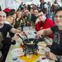 Die Fondue-Weltmeisterschaft in Tartegnin (VD) hat dieses Wochenende zahlreiche Besucherinnen und Besucher angezogen.
