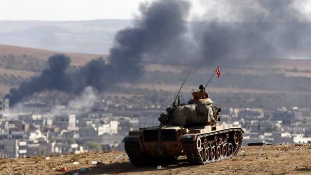 Ein Bild von der Türkei aus zeigt Rauch über Kobane