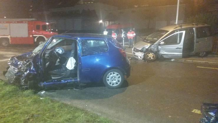 In Oberkulm kam es am Freitagabend zu einem Frontalcrash zwischen zwei Personenwagen.