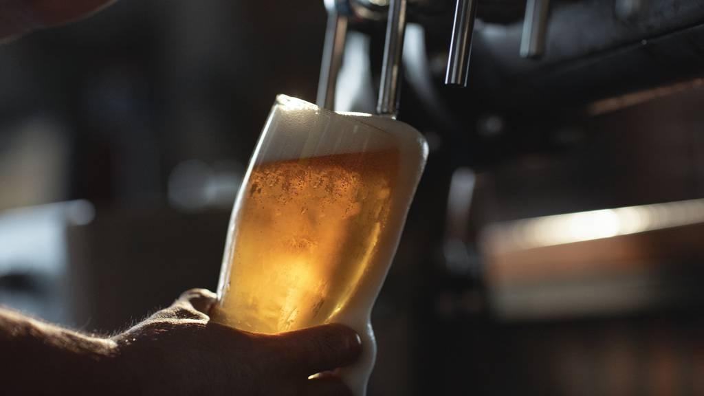 Freibier für alle – Britische Brauerei verschenkt Bier