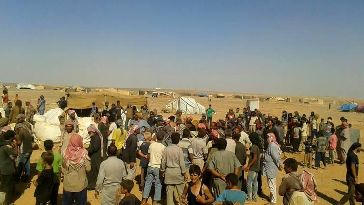 Essensausgabe für Flüchtlinge an der syrisch-jordanischen Grenze: Die Lebensbedingungen in der Region haben sich verschlechtert.