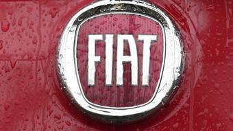 Der italienisch-amerikanische Automobilhersteller Fiat Chrysler (FCA) hat am Mittwochmorgen Gespräche mit dem französischem Opel-Mutterkonzern PSA über einen Zusammenschluss bestätigt. Zuvor waren die Pläne bereits durchgesickert. (Archiv)