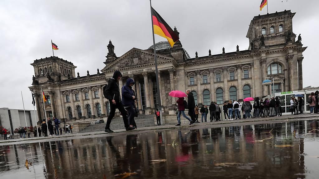 Wahlumfrage: Union sinkt in Gunst der Wähler in Deutschland