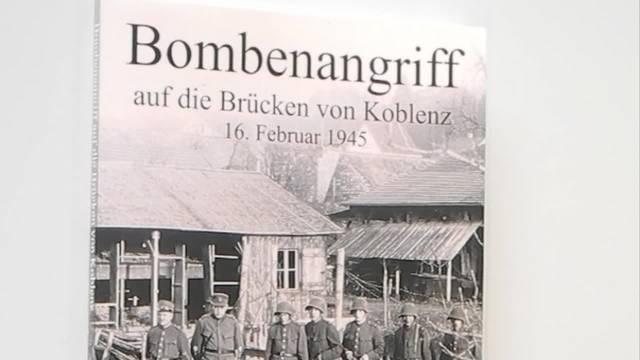Die Autoren Kuno Gross und Rudolf Meier stellen ihr Buch zu den Bombenangriffen in Koblenz vor.
