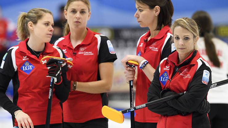 Nicht eitel Sonnenschein im Team Schweiz (von links): Manuela Siegrist, Marlene Albrecht, Esther  Neuenschwander, Silvana Tirinzoni