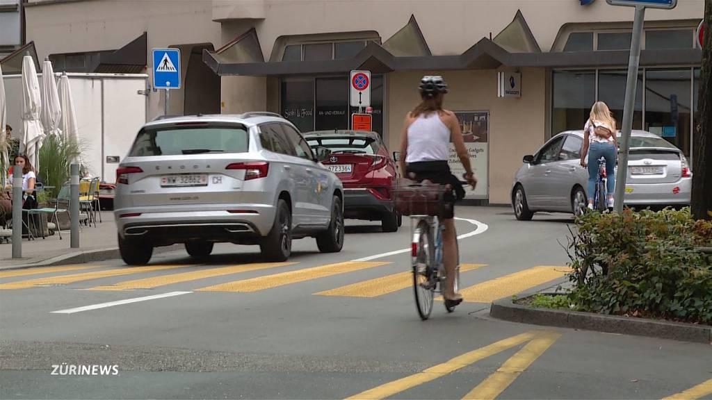 Velo-Initiative: Sicherer Verkehr oder Schikane für Autos und Passanten?