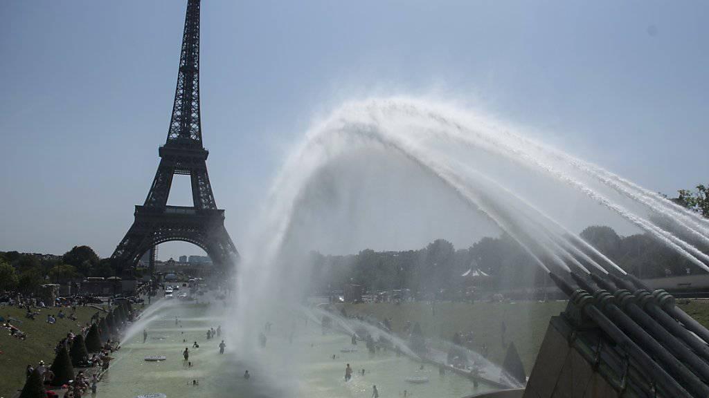 Neuer Hitzerekord am Donnerstag in Paris: das Thermometer kletterte auf 42,4 Grad, so hoch wie noch nie, seit gemessen wird.