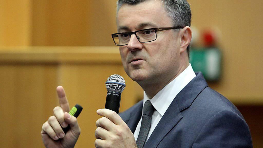 Der Politneuling Oreskovic kündigte nach seiner Bestätigung als kroatischer Regierungschef «schwierige Entscheidungen» an. (Archivbild)